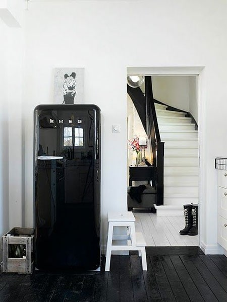 black-white-flooring
