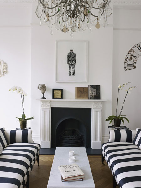 black-white-inspired-living-room