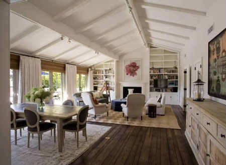 jennifer-aniston-vaulted-living-room