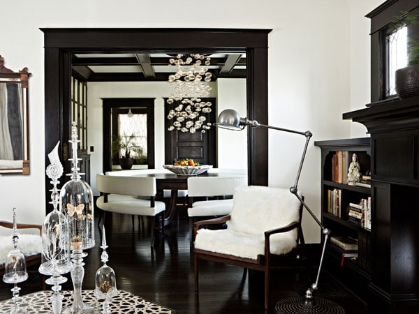 living-room-black-and-white
