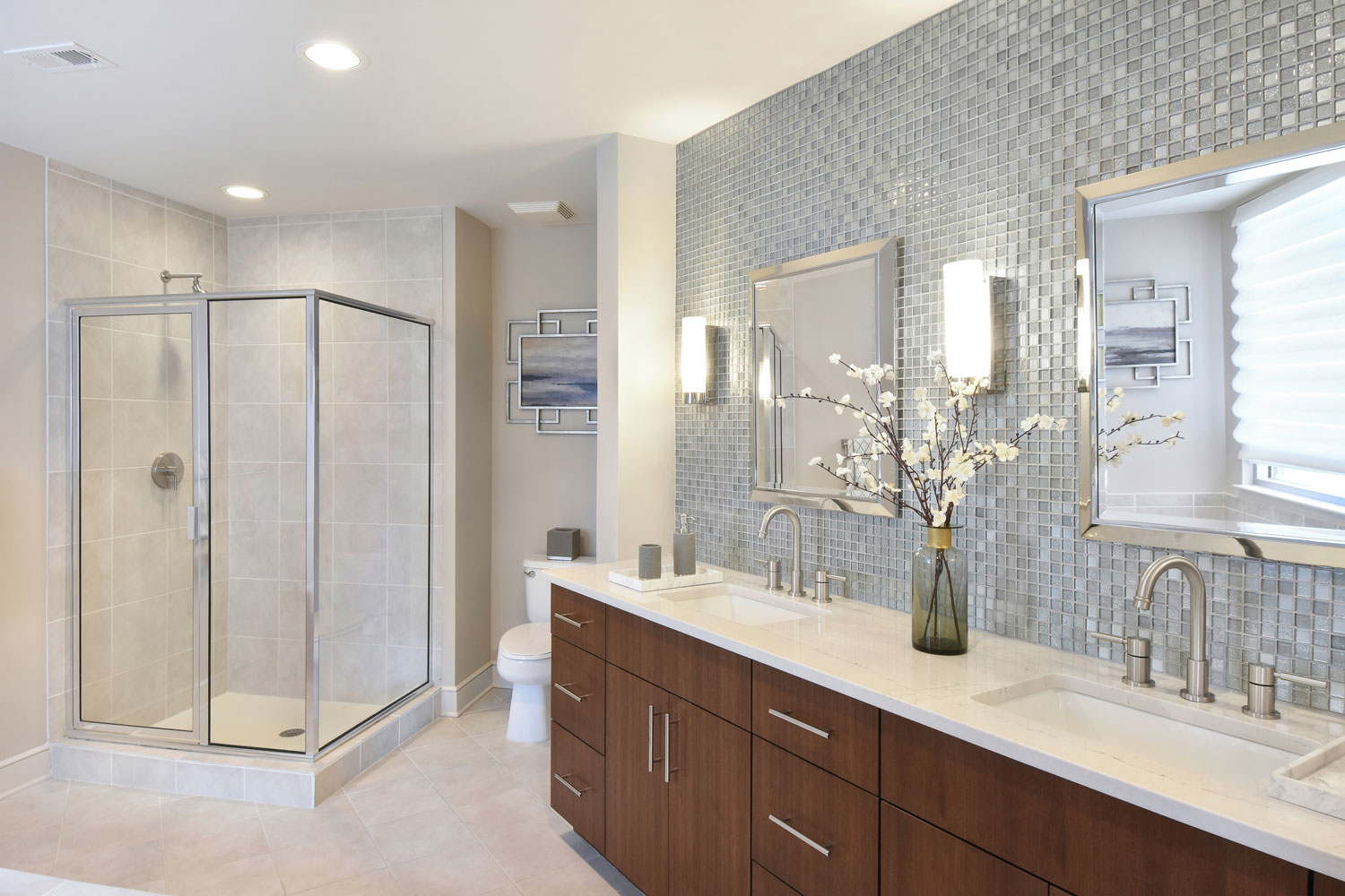 The Luxe bathroom exterior design in Atlanta